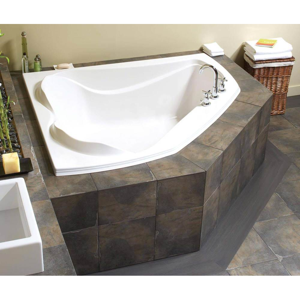 Maax Canada Corner Air Bathtubs item 102724-091-001
